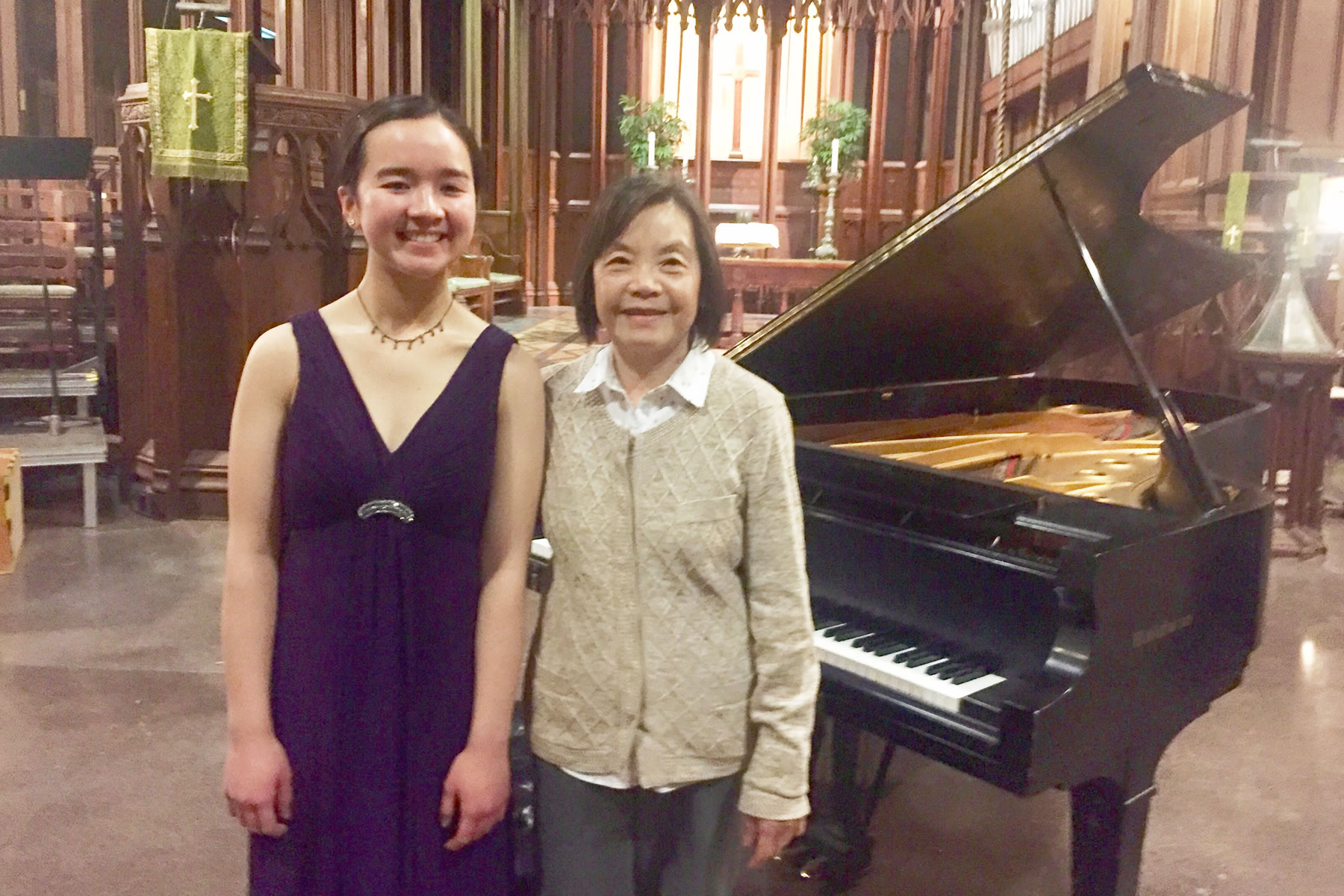 Julia Lam | Pianist and Pedagogue